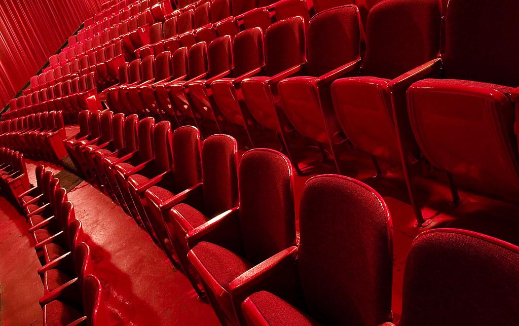 4 московских театра выступили в защиту приговорённого к 3,5 годам колонии актёра Устинова