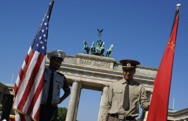 Zehntausende feierten den Berliner Mauerfall
