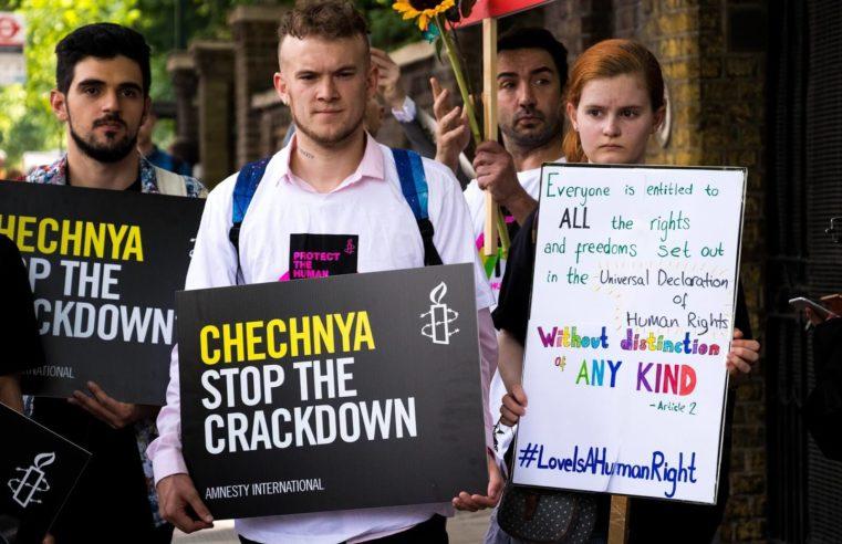 Телеканал HBO показал трейлер документального фильма о преследованиях геев в Чечне