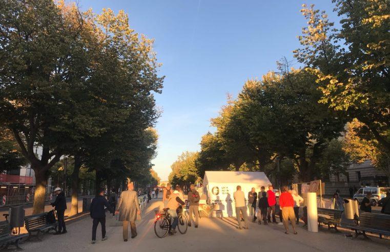 Putin-Gegner demonstrieren vor der russischen Botschaft